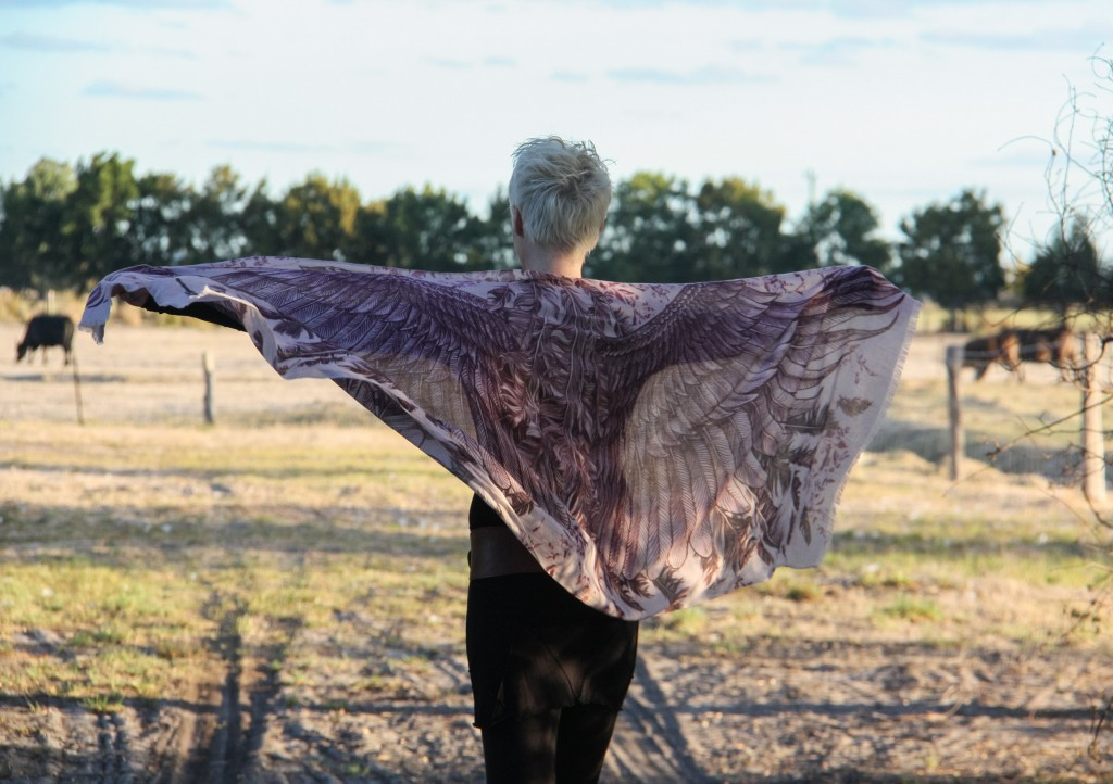 Web wings scarf